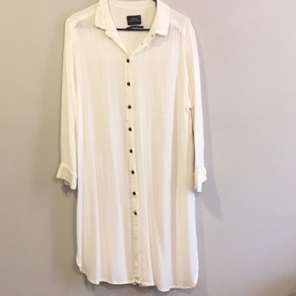 Urban Outfitters Tops - UO White Button up Tunic Size L